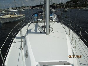 Cassiopeia 11 10_2781980_34_catalina_foredeck_aft