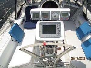 Cassiopeia 22 21_2781980_34_catalina_cockpit_helm