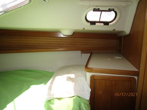 Cassiopeia 41 40_2781980_34_catalina_forward_stateroom_starboard