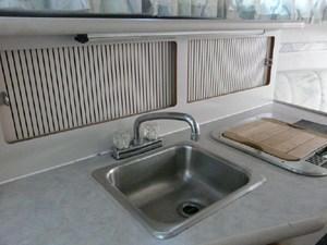 Disturbed 7 Disturbed 1994 REGAL 272 Commodore Cruising Yacht Yacht MLS #273111 7