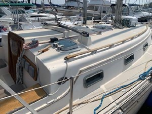 VALKYRIE 4 VALKYRIE 1985 ISLAND PACKET YACHTS 31 Cruising Sailboat Yacht MLS #273112 4