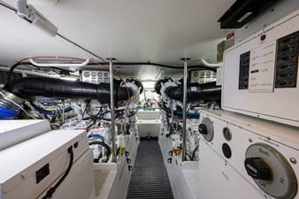 CHIEF 28 Engine Room