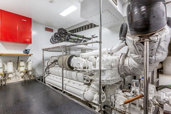 THINK BIG 24 Think Big Custom Line Engine Room