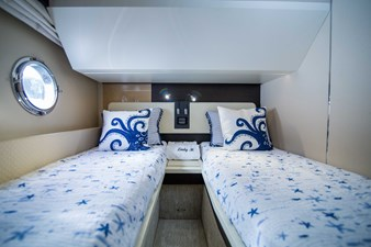 Lady M 29 Starboard Guest Stateroom
