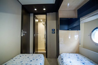 Lady M 30 Starboard Guest Stateroom