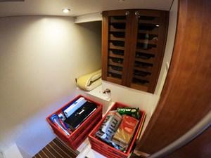 TRAVELER 23 Wine Bottle Locker