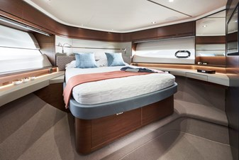 Princess S66 5 s66-interior-forward-guest-cabin-walnut-satin
