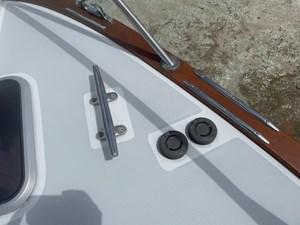 Emerson 23 23- foot controls