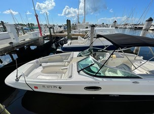 Sea Ray SunDeck 28 2008 5 Sea Ray SunDeck 28 2008 2013 SEA RAY  Motor Yacht Yacht MLS #273246 5