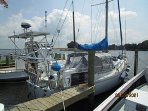 Second Sally 2 1_2782334_44_kelly_peterson_starboard_aft_profile