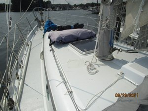 Second Sally 6 5_2782334_44_kelly_peterson_foredeck1