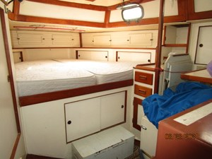 Second Sally 42 41_2782334_44_kelly_peterson_aft_stateroom