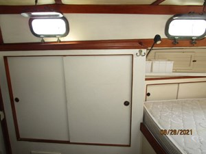 Second Sally 44 43_2782334_44_kelly_peterson_aft_stateroom_starboard