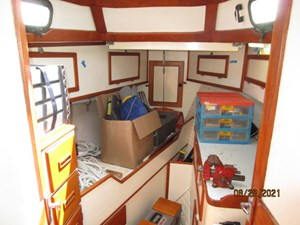 Second Sally 46 45_2782334_44_kelly_peterson_forward_stateroom