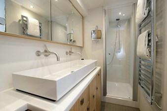 ARMONEE 10 Master bathroom