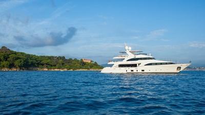 DYNA ® 93 yacht-dyna-r-201806-profile-06
