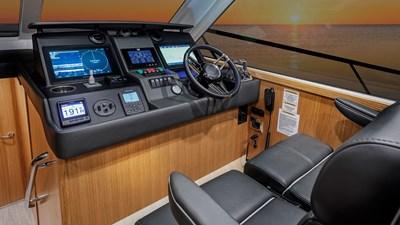 45 open flybridge 6 Riviera-45-Open-Flybridge-Lower-Helm