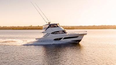 50 sports motor yacht  0 Riviera-50-Sports-Motor-Yacht-Running-014