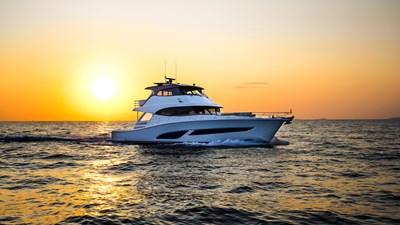 68 sports motor yacht  0 Riviera-68-Sports-Motor-Yacht-Cruising-13-R