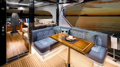 68 sports motor yacht  2 Riviera-68-Sports-Motor-Yacht-Flybridge-Mezzanine-02-1