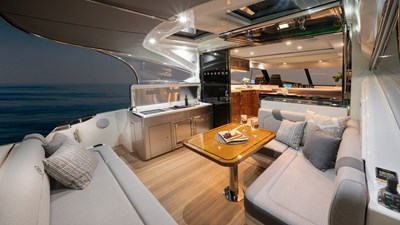 4800 sport yacht series ll platinum  1 Riviera-4800-Sport-Yacht-Series-II-Platinum-Edition-Cockpit-01
