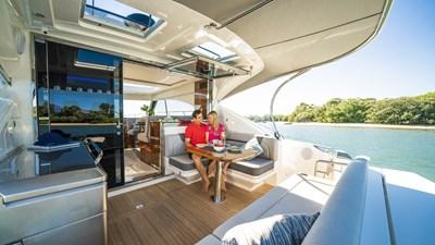 4800 sport yacht series ll platinum  2 Riviera-4800-Sport-Yacht-Series-II-Platinum-Edition-Cockpit-05
