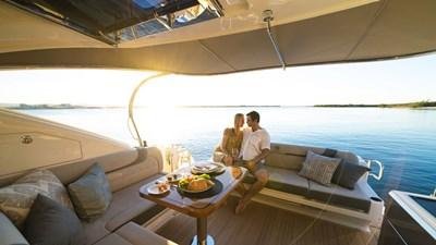 4800 sport yacht series ll platinum  3 Riviera-4800-Sport-Yacht-Series-II-Platinum-Edition-Cockpit-010