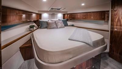 4800 sport yacht series ll platinum  7 Riviera-4800-Sport-Yacht-Series-II-Platinum-Edition-Master-Stateroom-01
