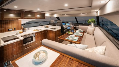 4800 sport yacht series ll platinum  8 Riviera-4800-Sport-Yacht-Series-II-Platinum-Edition-Saloon-01