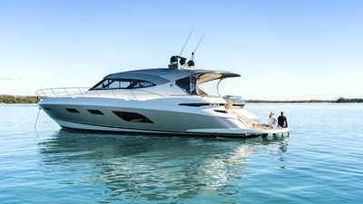 6000 sport yacht platinum 0 Riviera-6000-Sport-Yacht-Platinum-Edition-Lifestyle-04