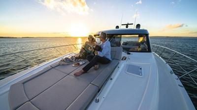 6000 sport yacht platinum 1 Riviera-6000-Sport-Yacht-Platinum-Edition-Foredeck-03