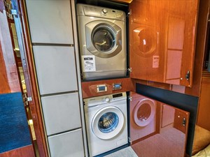 Phoencia 36 Washer Dryer/ STB Stateroom