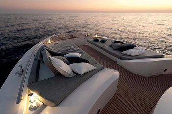 MCY65 2 Portuguese lounge/ Sun bathing bow