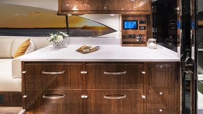545 SUV 7 Riviera-545-SUV-Starboard-Cabinet-01