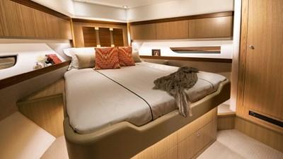 575 SUV 3 Riviera-575-SUV-Forward-VIP-Guest-Stateroom