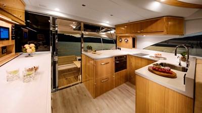 575 SUV 4 Riviera-575-SUV-Galley