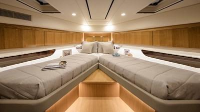 575 SUV 8 Riviera-575-SUV-Optional-Forward-VIP-Guest-Stateroom