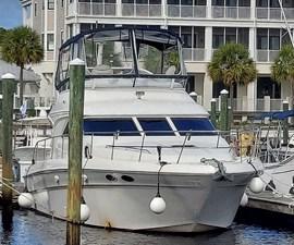 Foxsea Lady 3 1004 Sea Ray 400 Starboard Bow