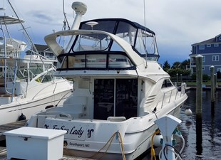 Foxsea Lady 5 1006 Sea Ray Starboard Stern