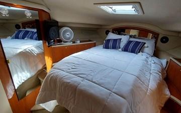 Foxsea Lady 42 1056 Sea Ray 400 Master Cabin