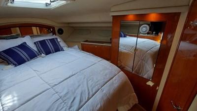 Foxsea Lady 43 1057 Sea Ray 400 Master Cabin
