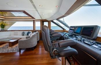 SEA N SEA 35 Sea N Sea- Helm   Sky Lounge