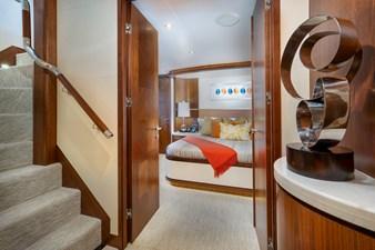 SEA N SEA 36 Sea N Sea- Lower Foyer   Master Stateroom