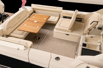35 calypso 3 chris_craft_calypso_35_stern_seats_up_table_out_grill_up