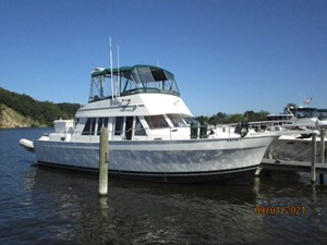 MoWhisky 4 3_2782602_43_mainship_starboard_forward_profile