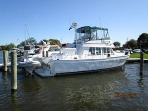MoWhisky 5 4_2782602_43_mainship_starboard_aft_profile