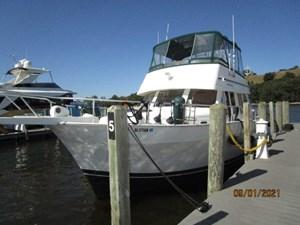 MoWhisky 6 5_2782602_43_mainship_port_forward_profile