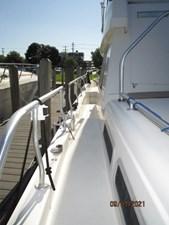 MoWhisky 13 12_2782602_43_mainship_port_side_deck2
