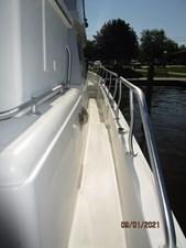MoWhisky 15 14_2782602_43_mainship_starboard_side_deck2