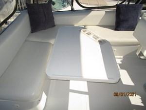 MoWhisky 23 22_2782602_43_mainship_flybridge_port_seating2